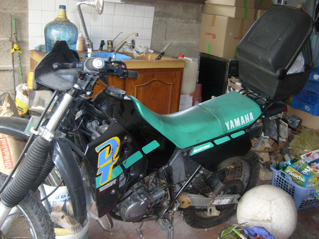 annonce moto yamaha dt 125 occasion de 1990 10 aube savieres. Black Bedroom Furniture Sets. Home Design Ideas