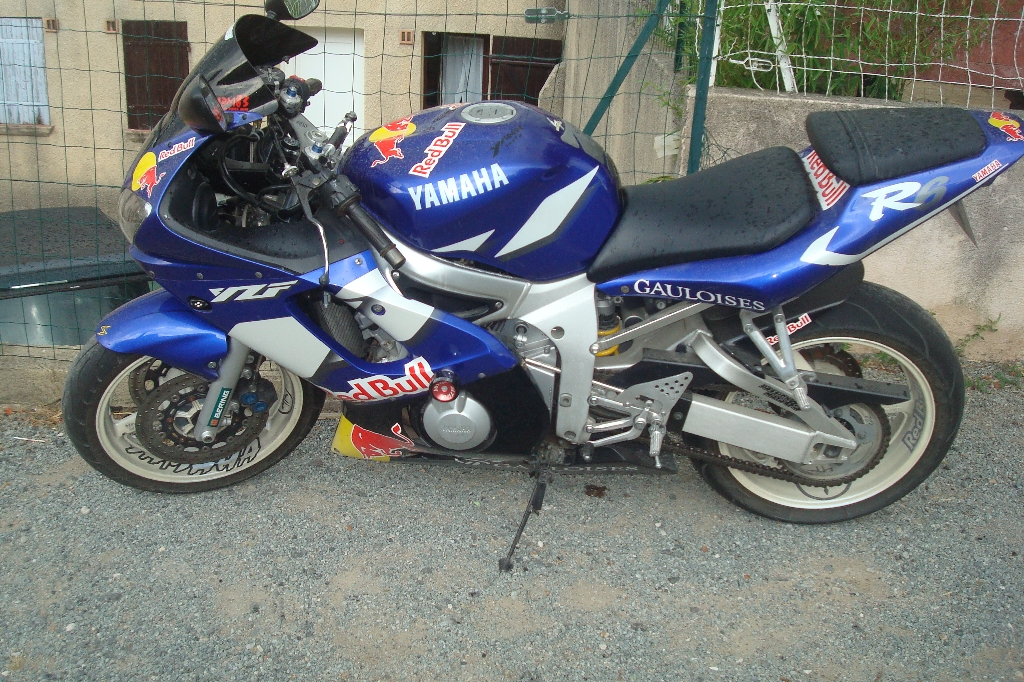 Moto YAMAHA YZF-R6 red bull occasion