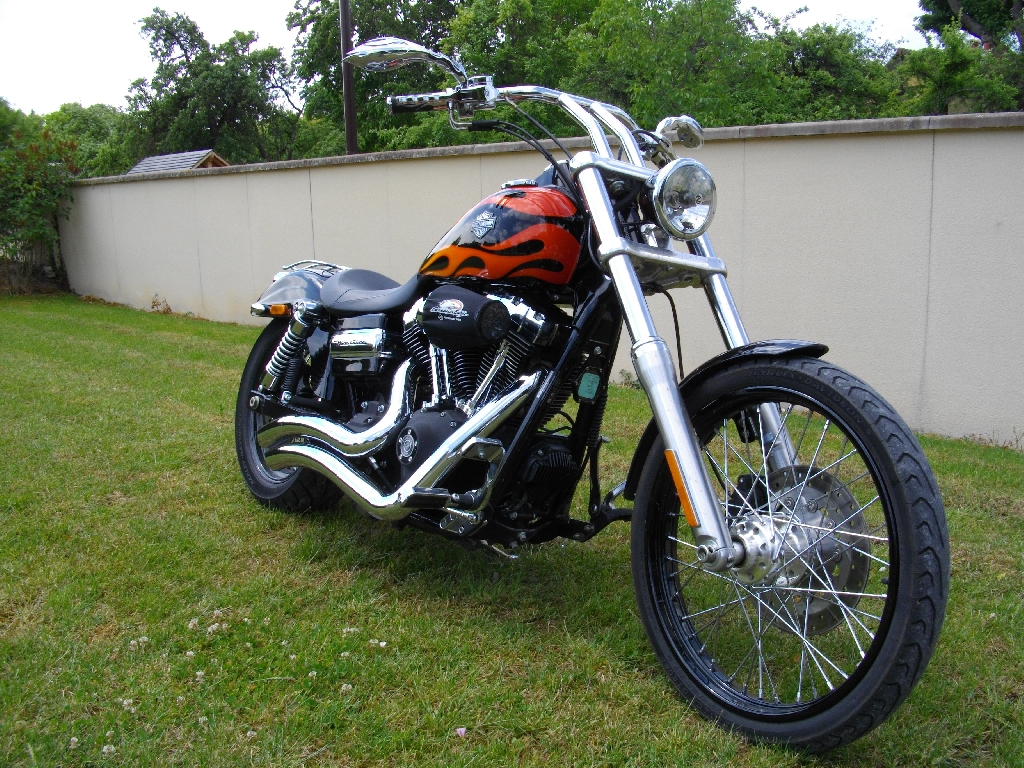 HARLEY-DAVIDSON Dyna Wide Glide  2010 photo 1