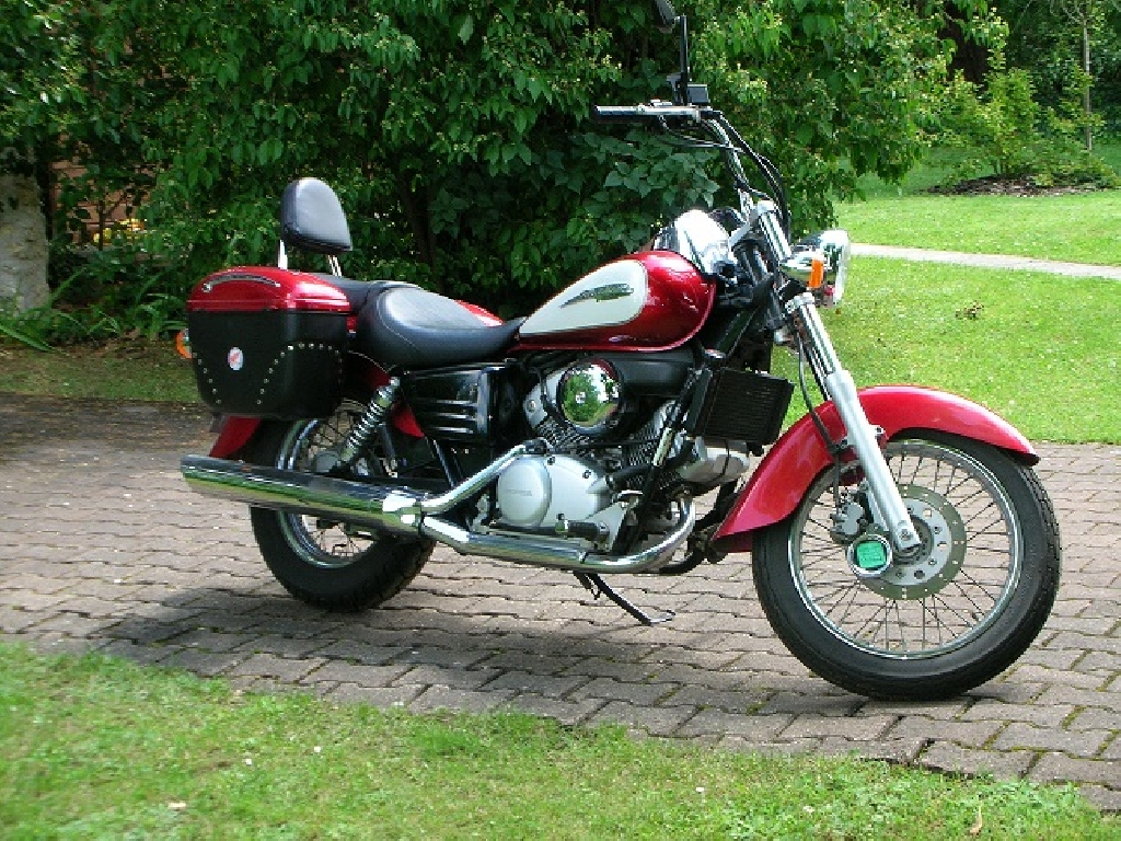 honda shadow 125 occasion annonce moto honda shadow 125. Black Bedroom Furniture Sets. Home Design Ideas