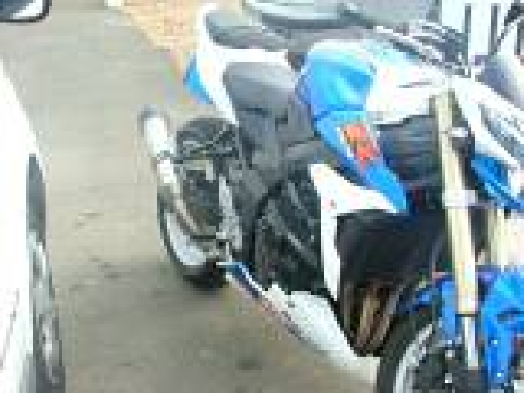 SUZUKI GSR 750  2011 photo 1