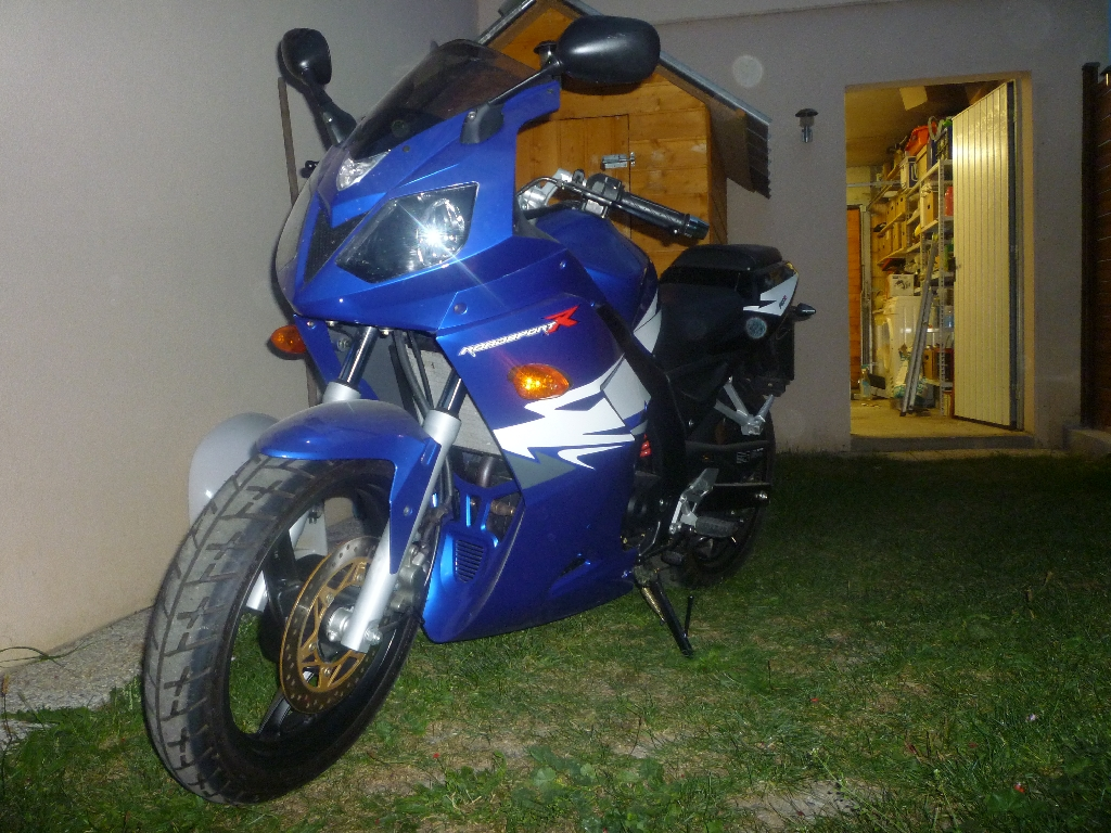 Moto DAELIM Roadsport 125 R  occasion