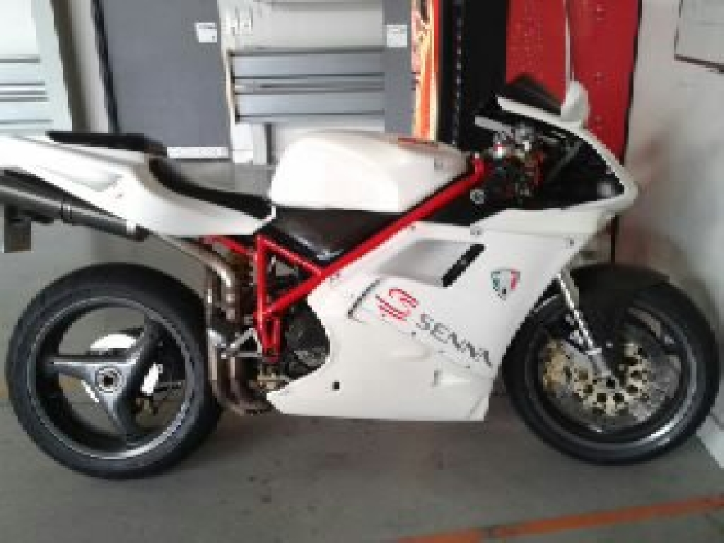 annonce moto ducati superbike 748 occasion de 1998 30 gard villeneuve. Black Bedroom Furniture Sets. Home Design Ideas