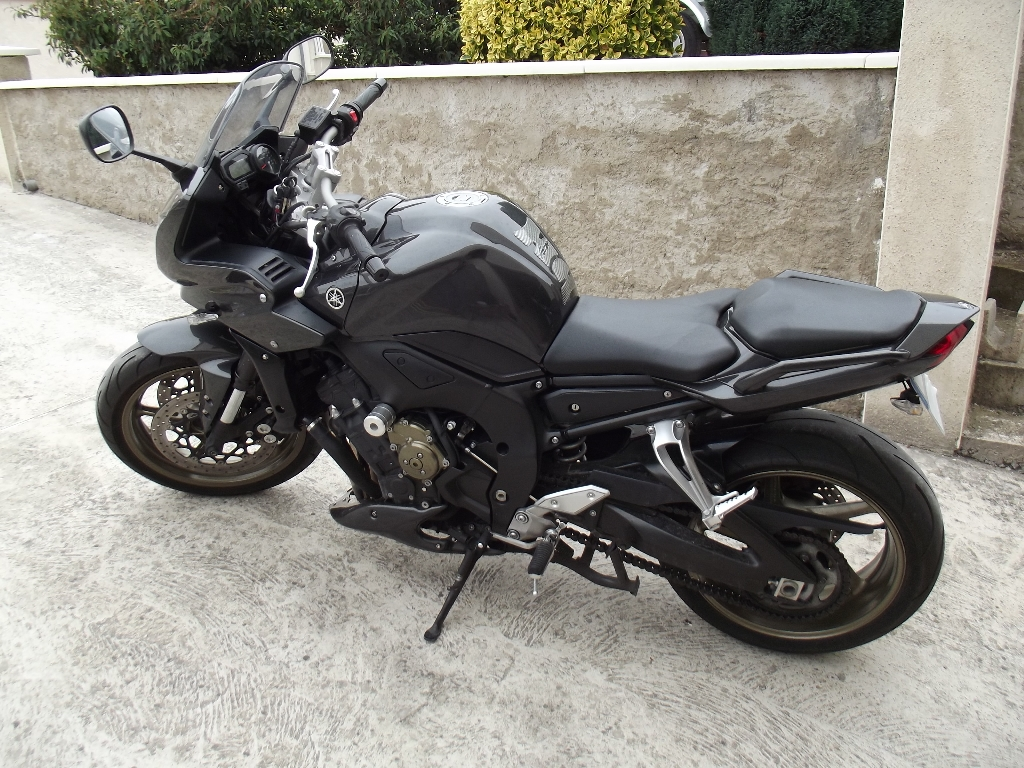 annonce moto yamaha fz1 s fazer s occasion de 2009 37 indre et loire chateau renault. Black Bedroom Furniture Sets. Home Design Ideas