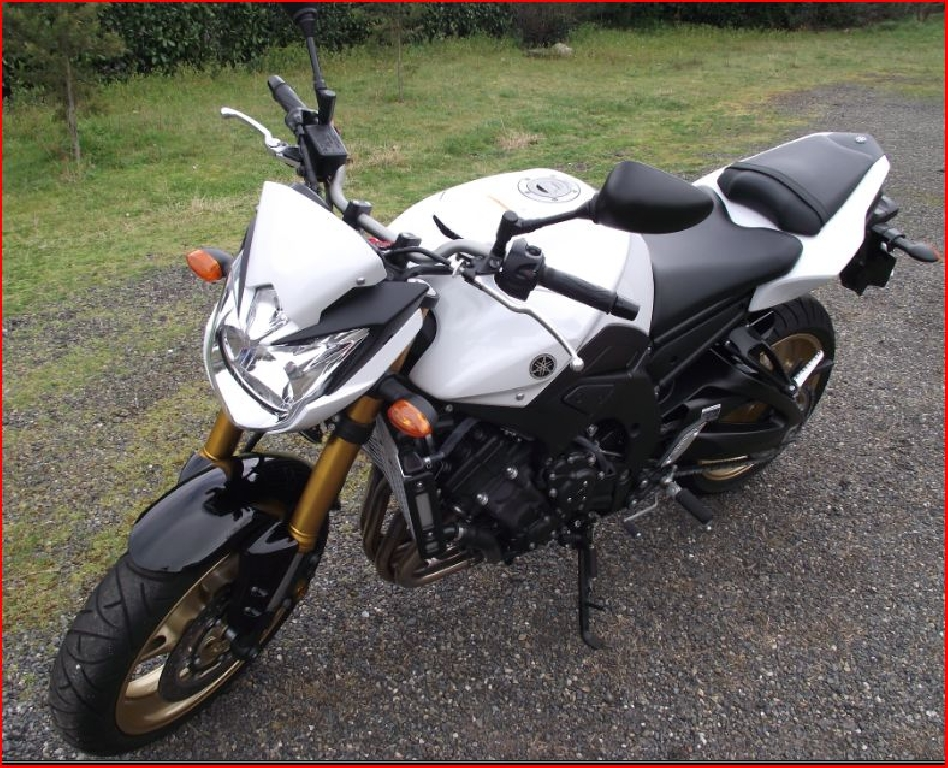 annonce moto yamaha fz8 n n occasion de 2010 40 landes liposthey. Black Bedroom Furniture Sets. Home Design Ideas